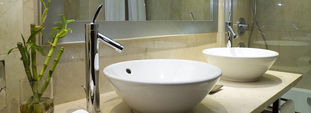 столешница в ванную из кварцевого агломерата