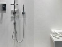 Столешница из белого кварца в ванную