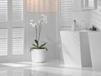 Столешница кварцевая из белого кварца в ванную
