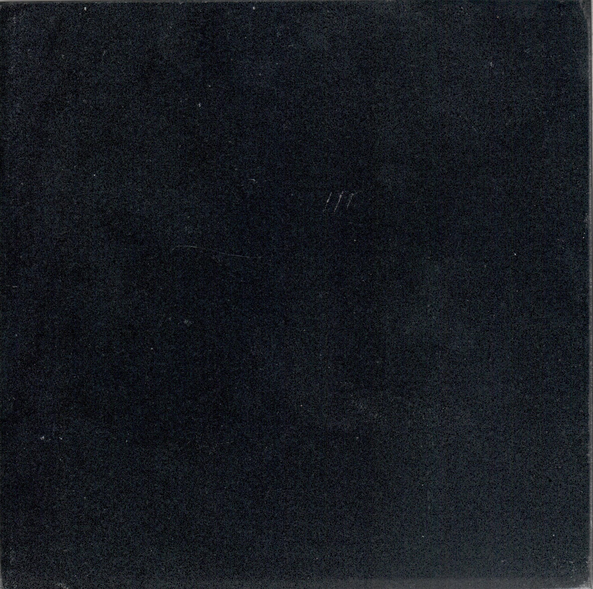 Atem Black 1115